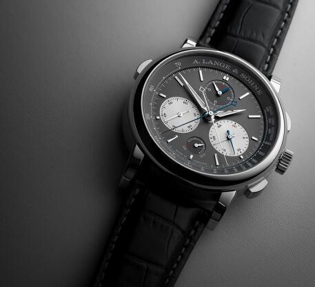 The timepiece presents the brand's high level of craftsmanship.