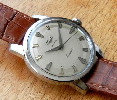 The original Longines Conquest watches look very elegant.