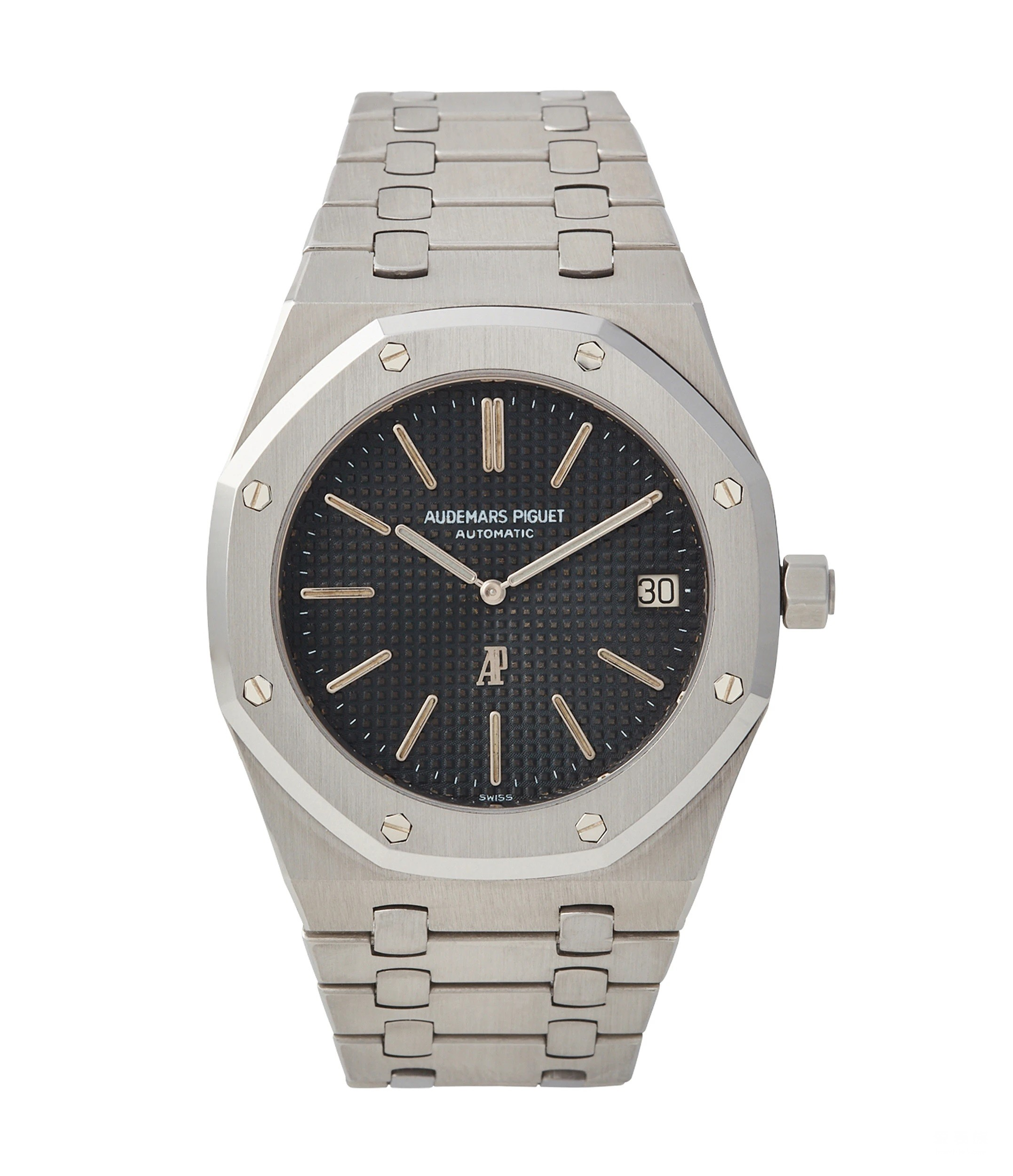 Royal Oak is always the symbolic collection of fake Audemars Piguet.