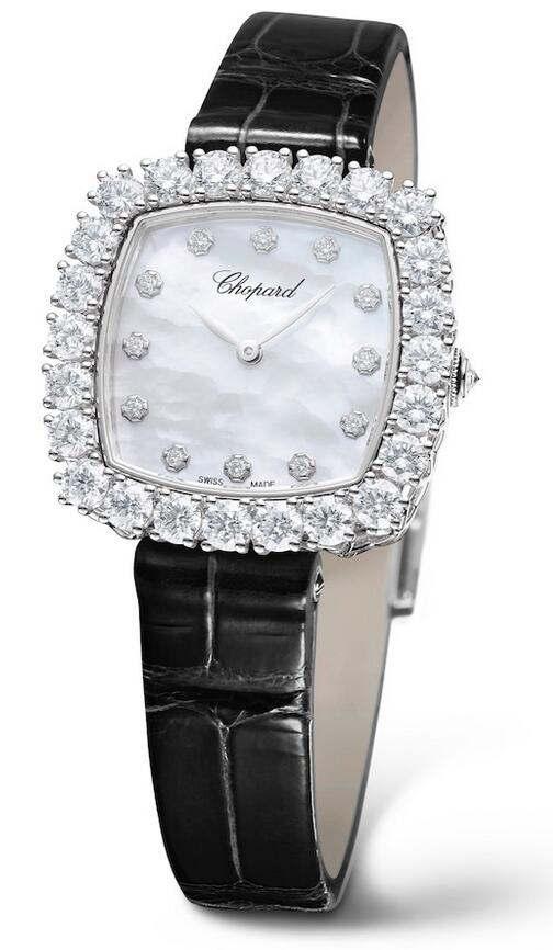 1:1 replica watches are elegant for ladies with leather straps.