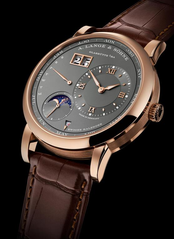 Swiss fake watches are delicate for the dial arrangement.