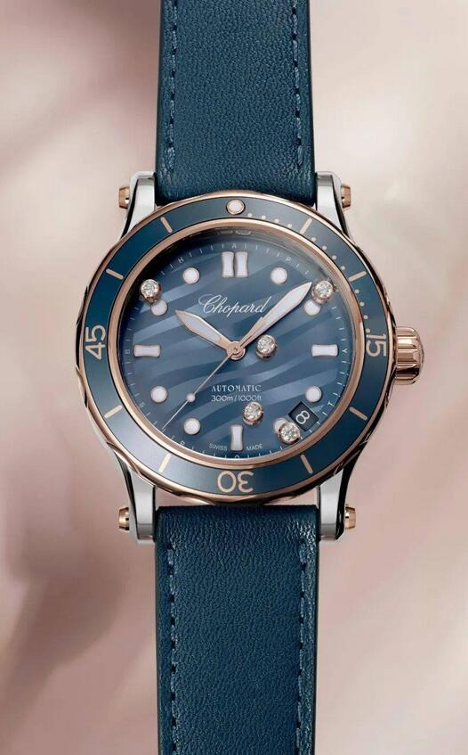 Swiss imitation watches interpret the tasteful feeling with the blue grey tone.